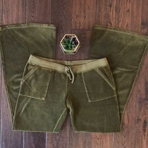 Juicy Couture olive green velour pants M